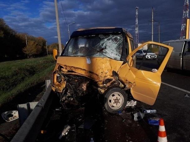 ВНевинномысске шофёр  «Газели» спровоцировал тройное ДТП