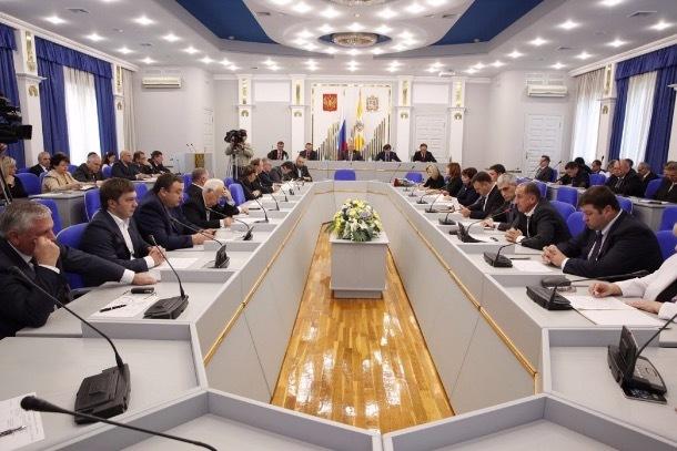 Ставропольским чиновникам повысят зарплаты