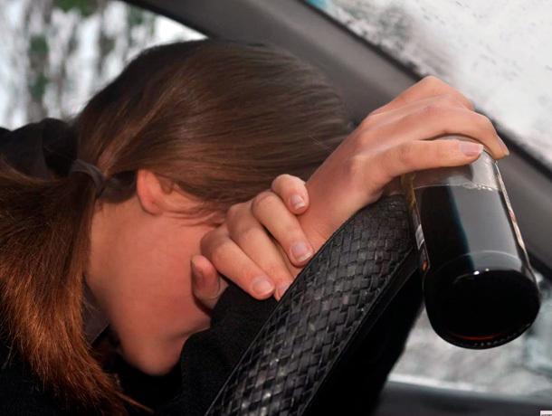 Пьяную жительницу Ессентуков задержали за рулем чужого автомобиля