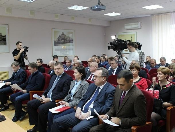 «Мусорную» реформу, капремонт и замену лифтов обсудили на заседании коллегии минЖКХ Ставрополья
