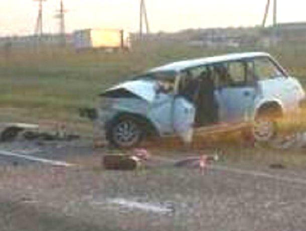 Два человека погибли в жестком столкновении «Приоры» и «четверки» на Ставрополье