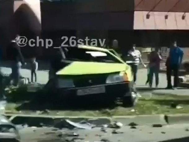 Страшная авария с двумя «легковушками» произошла в центре Ставрополя