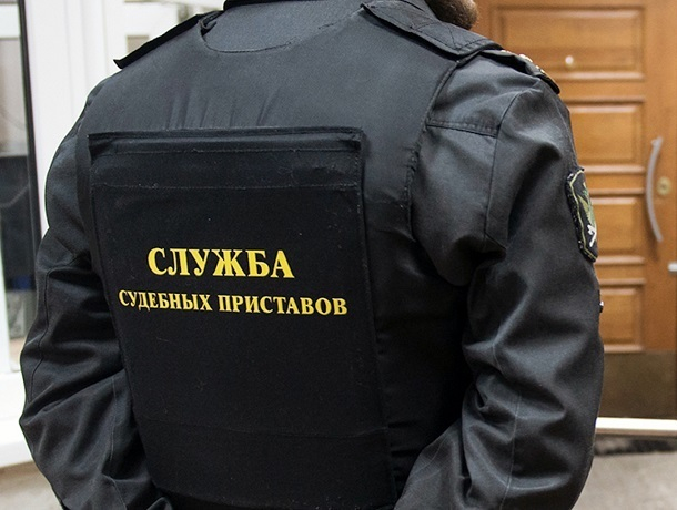 Замначальника отдела судебных приставов помог знакомому избежать двухмиллионного штрафа на Ставрополье