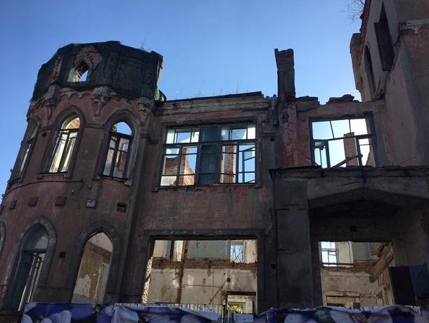 «Срок ремонта нарушен»: минимущества Ставрополья направило претензию арендатору «Дома с привидениями»