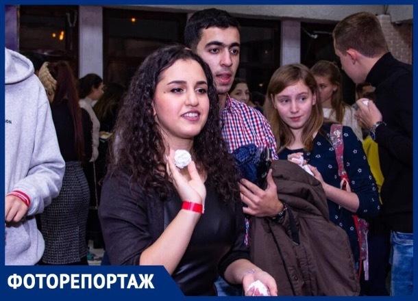 Ставропольская молодежь устроила яркий вечер с комиком, битбоксерами и розыгрышем