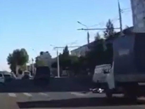 Велосипедист попал под колеса «Газели» на пешеходном переходе в Ставрополе
