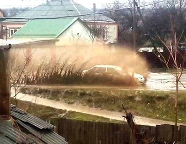 Что видят курортники в этой помойке? - жители о затопленном дождями Пятигорске
