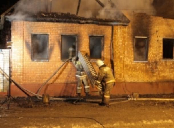 Дом изнутри уничтожил пожар в станице на Ставрополье