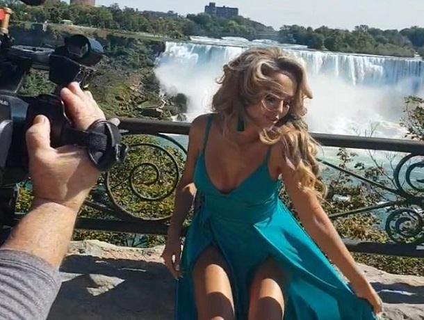 «А где трусы?»: появились видео со съемок нового клипа ставропольской модели Анны Калашниковой