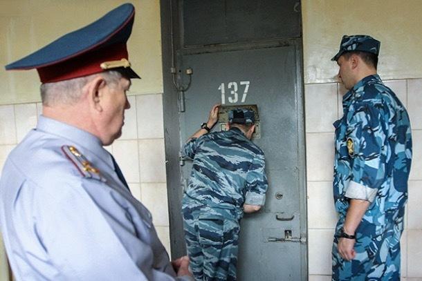 Пять лет «строгача» получили сотрудники ставропольской колонии за помощь террористам