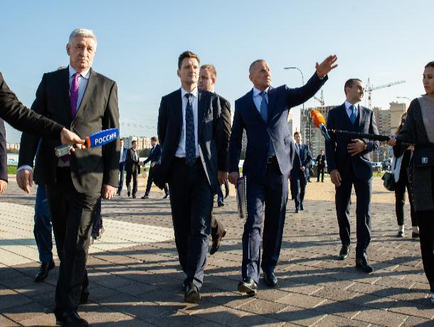 Генеральный директор АО «Почта России» посетил площадь св. князя Владимира в Ставрополе