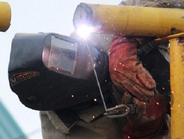 Мужчина незаконно сделал врезку в газопровод и воровал газ на Ставрополье
