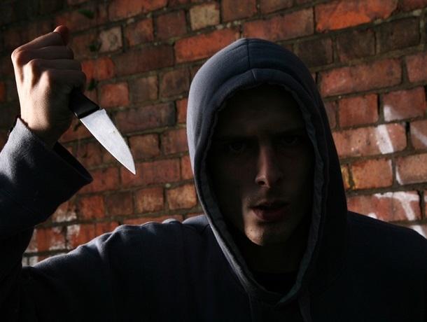 Два года за решеткой проведет ставрополец за нападения с ножом и кражи