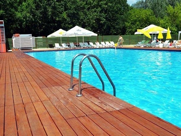 На владельца базы отдыха в Михайловске завели дело из-за утонувшей в бассейне 8-летней девочки