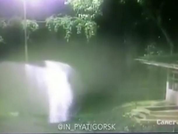 ВYouTube появилось видео таинственного явления вПятигорске