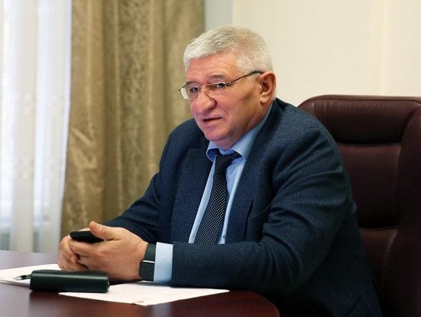 «Предупредили же заранее»: Андрей Джатдоев отчитал коммунальщиков за «недостаточную» работу в Ставрополе