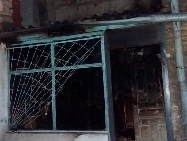 Два человека сгорели в страшном пожаре в квартире на Ставрополье