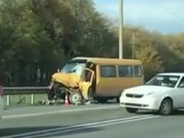 Водителю «Газели» раздавило ноги в серьезном ДТП с внедорожником на Ставрополье