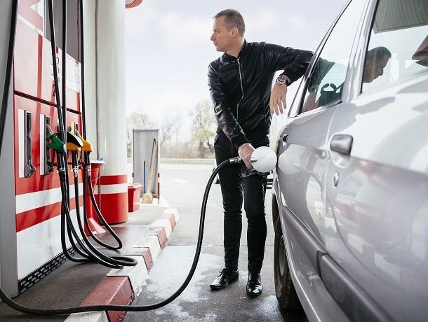 «Началось, цена на бензин выросла с 1 января на 70 копеек», - ставрополец
