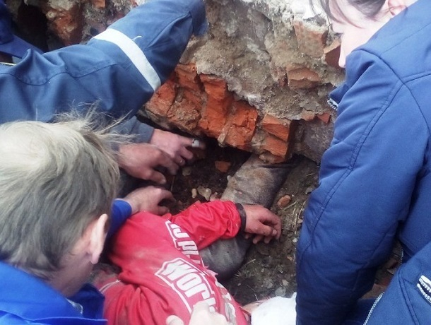 Следком проверит обстоятельства смерти мальчика от рухнувшей на него стены на Ставрополье