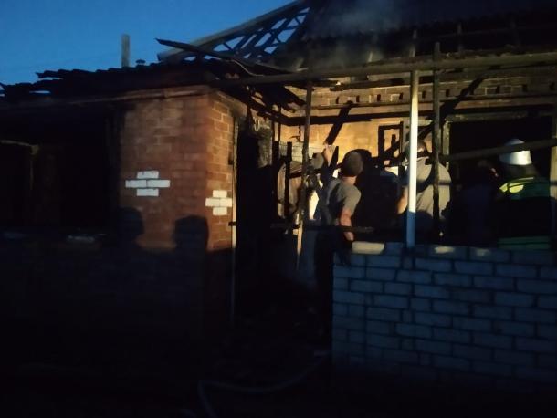 У многодетной семьи на Ставрополье сгорел дом