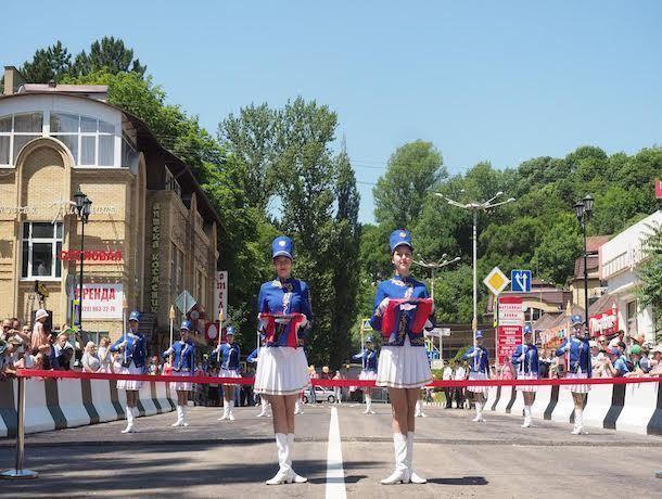 Мост через Ольховку вКисловодске торжественно открыли