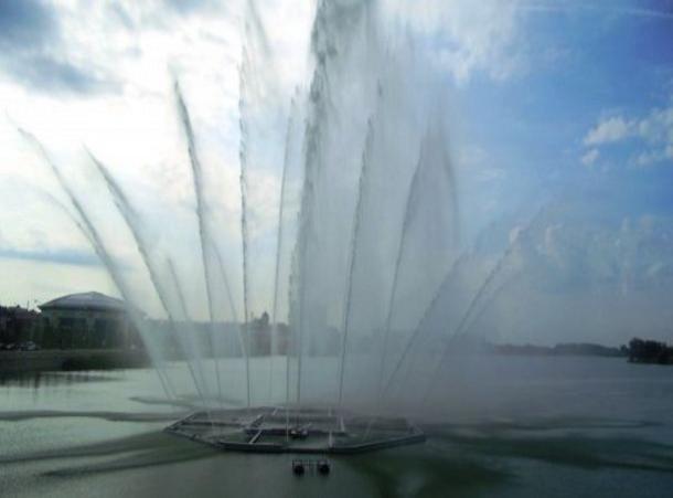 Фонтан с25-метровыми струями среди озера появится вСтаврополе