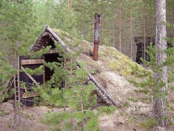 Находившийся в федеральном розыске мужчина прятался в вырытой в лесу землянке на Ставрополье