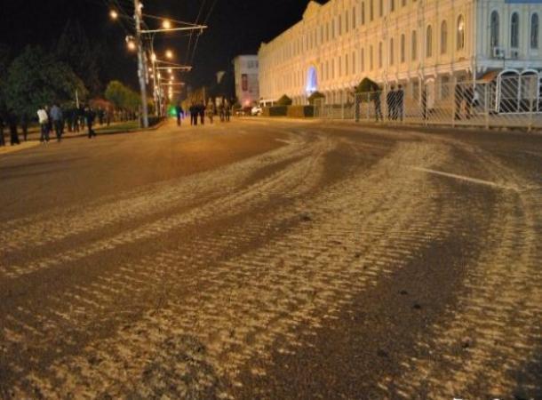 ВСтаврополе танки испортили асфальт впроцессе репетиции парада