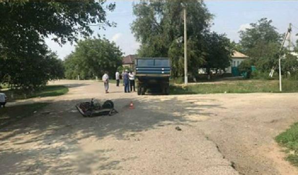 На Ставрополье 14-летний мальчик на скутере погиб в ДТП