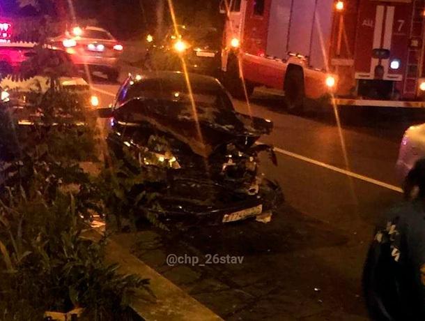 Лихач на «Приоре» раскурочил авто в Ставрополе