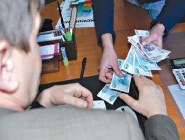 Спасти имущество за взятку в 30 тысяч рублей приставу пытался житель Кисловодска