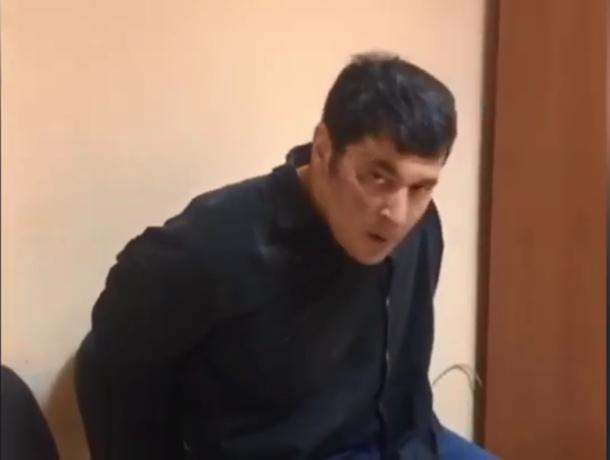 Мужчина напал на полицейского с ножом в центре Ставрополя