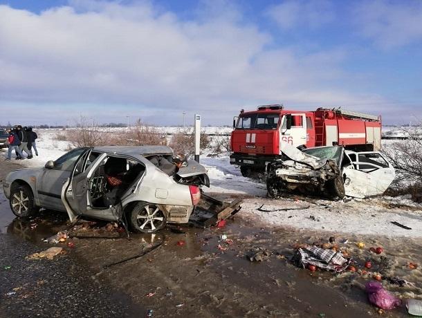 Подросток и женщина погибли в страшном ДТП с «Приорой» и «Хендай» на Ставрополье