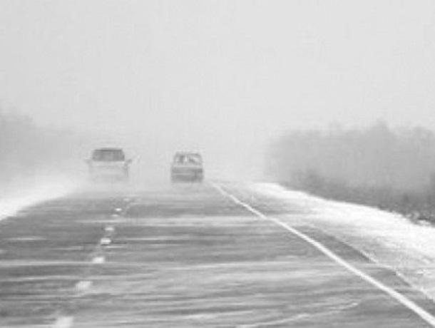 Из-за непогоды на 2-х трассах Ростовской области введено ограничение движения транспорта