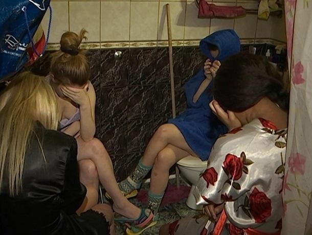 Трех организаторов борделей с девушками «легкого поведения» закрыли в Ставрополе