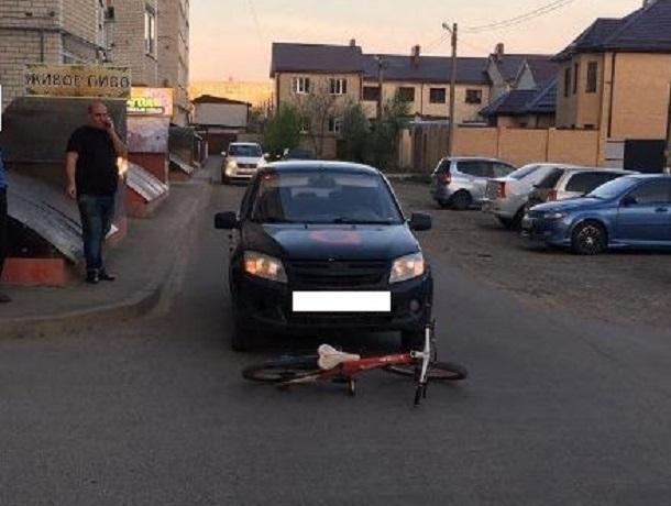 Таксист-нелегал сбил 8-летнего мальчика на велосипеде в Ставрополе – ребенка увезла скорая