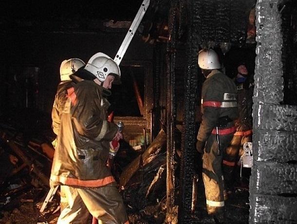 Двое мужчин задохнулись угарным газом во время пожара на Ставрополье