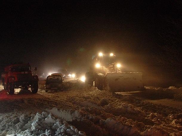 Трассу под Ставрополем перекрыли из-за сильного бокового ветра