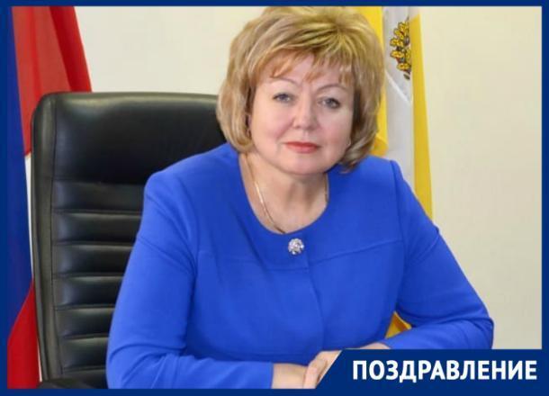 Сегодня свой день рождения празднует Галина Петровна Миронычева