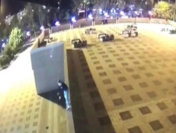 В Ставрополе 16-летний подросток умер после падения с крыши