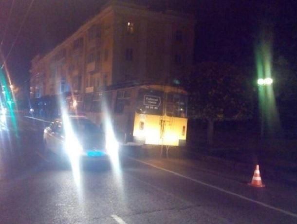 Две пассажирки пострадали после резкого торможения троллейбуса в центре Ставрополя