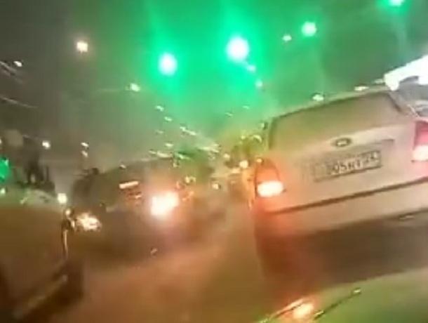 «Паровозик» из четырех машин парализовал движение в час пик на юге Ставрополя