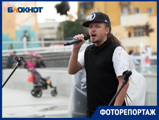 В Ставрополе на творческом фестивале выступил Димосс Саранча