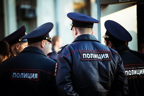 В Курском районе мужчина подозревается в попытке дачи взятки полицейскому
