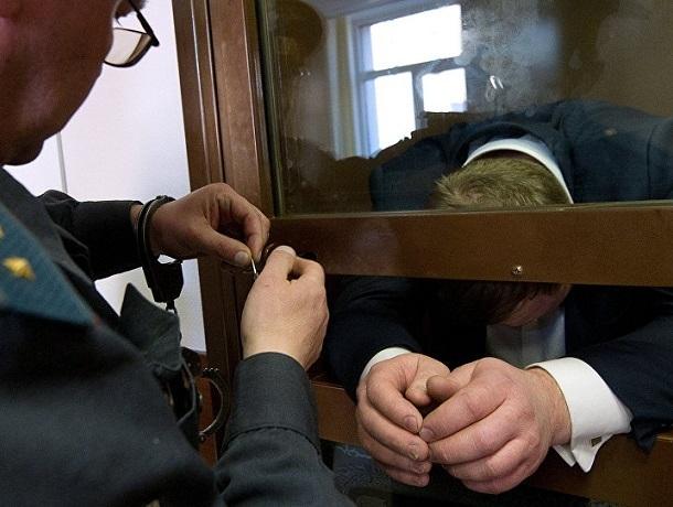Главу филиала главного бюро медико-социальной экспертизы по Ставрополью поймали на взятках