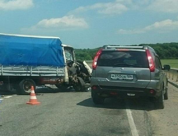 Под Ставрополем пассажирка автобуса погибла вДТП с«Газелью»