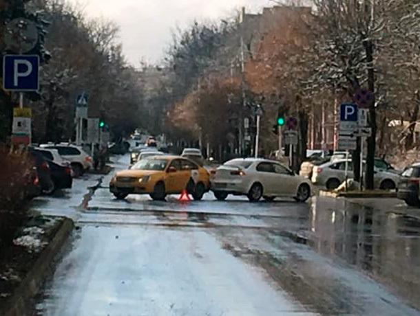 Комичное ДТП остановило движение в центре Ставрополя
