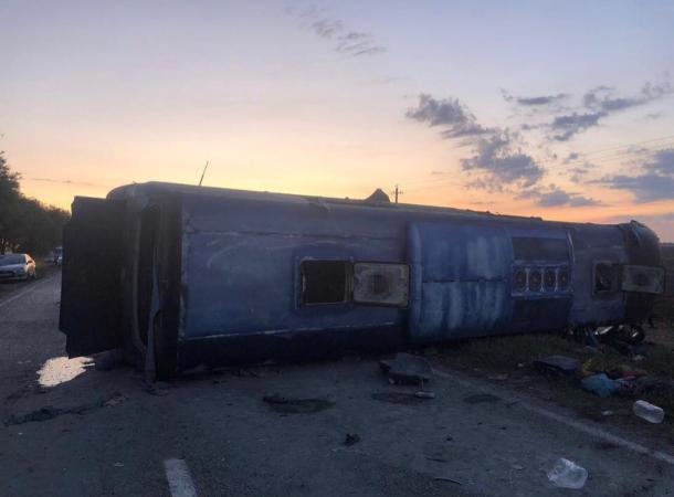 Устанавливаются причины аварии с пятью погибшими и 20 пострадавшими в Апанасенковском районе