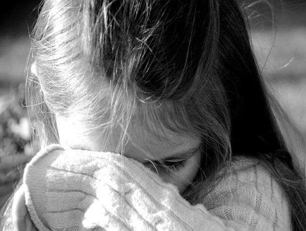 10-летнюю девочку безнаказанно избил палкой и обматерил взрослый мужчина за то, что она сидела на лавочке, – жительница Ставрополя
